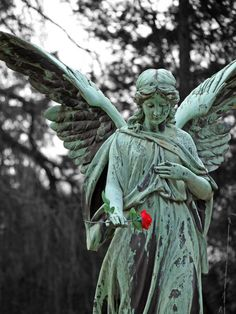 Grabmal auf dem Ohlsdorfer Friedhof. www.hamburg-stadtteile.de