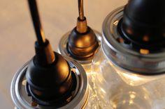 Tarro negro básico araña tres bolas tarro lámpara por BootsNGus