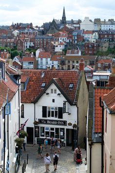 Lunch & Latte: Whitby the historic sea front town