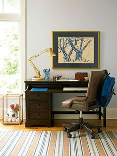 Yes! To everything about this guy's study space! #teen #study #bedroom