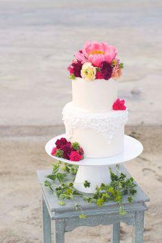 Beautiful Homemade Modern Wedding Cake Designs – Page 46 – The Life Ideas Cream Wedding Cakes, Summer Wedding Cakes, Wedding Sweets, Beautiful Wedding Cakes, Gorgeous Cakes, Pretty Cakes, Amazing Cakes, Elegant Wedding, Floral Wedding