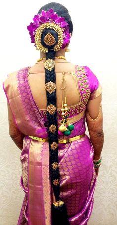 30 Super Ideas For South Indian Bridal Makeup Hindus Indian Bridal Hairstyles, Bride Hairstyles, Flower Hairstyles, Hindus, Long Hair Wedding Styles, Long Hair Styles, Elegant Bridal Shower, Indian Bridal Makeup, Bridal Beauty