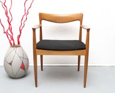 60er Armchair schwarz Stuhl in Eiche, Sönderborg von silent-cube auf DaWanda.com