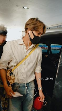 Kai - 190907 Los Angeles Airport, arrival from Incheon