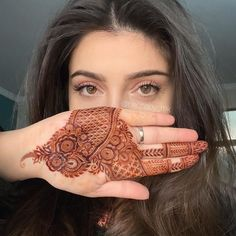 Top Simple Mehndi Designs - Easy-Peasy Yet Beautiful! Rose Mehndi Designs, Indian Henna Designs, Henna Art Designs, Mehndi Designs For Girls, Stylish Mehndi Designs, Mehndi Design Pictures, Wedding Mehndi Designs, Mehndi Designs For Fingers, Beautiful Mehndi Design