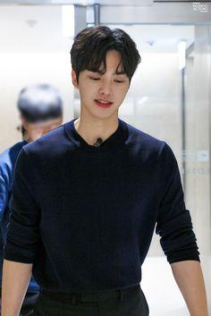 [Songgang] I feel like a real face. Song Kang Ho, Sung Kang, Handsome Korean Actors, Handsome Boys, Korean Celebrities, Celebs, Cute Korean Boys, Kdrama Actors, Cute Actors