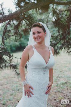 More: vidagergely.hu/eskuvoi-foto/budapesti-eskuvo-bernadett-es-balazs/ Wedding Dresses, Sexy, Fashion, Moda, Bridal Dresses, Alon Livne Wedding Dresses, Fashion Styles, Weeding Dresses, Bridal Gown
