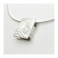 Amazing double sided 925 silver clay pendant Metal Clay, Silver Jewellery, 925 Silver, Handmade Jewelry, Pendant, Amazing, Bracelets, Silver Pendants, Neck Chain