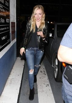 Francesca Eastwood Leather Jacket - Francesca Eastwood stepped out in a classic leather jacket while out at Boosty Bellows in Hollywood. Francesca Eastwood, Classic Leather Jacket, Heroes Reborn, School Looks, Latex Fashion, In Hollywood, Ripped Jeans, Going Out, Eye Candy