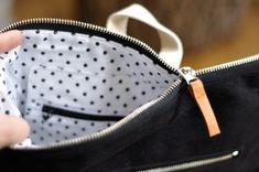 PENTABACKPACK - batoh a taška v jednom - černý I / Zboží prodejce evulekotule | Fler.cz Louis Vuitton Damier, Drawstring Backpack, Quilt, Backpacks, Pattern, Leather, Bags, Shearling Slippers, Canvas