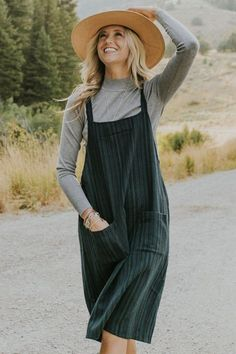 Cute Modest Outfits, Cute Fall Outfits, Trendy Outfits, Sunday Outfits, Mom Outfits, Skirt Outfits, Overalls Outfit, Overalls Women, Dungarees