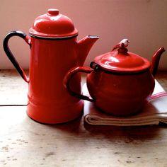 Red Enamelware Tea Pot - would love a similar milk jug, sugar pot etc for our coffee corner