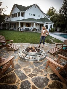 31 Amazing Backyard Fire Pit Design Ideas 31 Amazing Backyard Fire Pit Design Ideas newport-internati The post 31 Amazing Backyard Fire Pit Design Ideas appeared first on Outdoor Diy. Outside Fire Pits, Cool Fire Pits, Diy Fire Pit, Fire Pit Backyard, Backyard Patio, Backyard Landscaping, Landscaping Ideas, Outdoor Patios, Outdoor Rooms