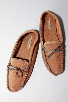 A foot need. O'Hanlon Mills. Moccasin.