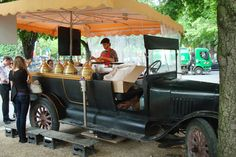 DDI :: Retail in Paris - This street vendor sold delicious French crepes and gelato from a hollowed-out old car.