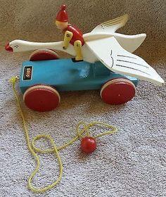Très rare! VINTAGE garçon BRIO NILS HOLGERSSON à cheval sur le vol jouet à tirer en bois d'oie | # 536055648 Pull Toy, Brio, Flying Geese, Wood Ideas, Wood Toys, Lathe, Vintage Wood, Projects To Try, Christmas Ornaments