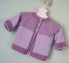 Baby Knitting Patterns Garter Yoke Baby Cardigan free Knitting Pattern More… Crochet Baby Cardigan Free Pattern, Baby Sweater Patterns, Knit Baby Sweaters, Cardigan Pattern, Baby Patterns, Knit Patterns, Knitting For Kids, Free Knitting, Cardigan Bebe