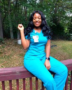 When you had a good week of helping bring babies into the world 👶�👶� Nursing Goals, Icu Nursing, Pediatric Nursing, Nursing Career, Nursing Pins, Nurse Love, Hello Nurse, Rn Nurse, Beautiful Nurse