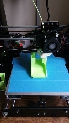 3D Printer, battery dispencer, Anet A8 Prusa i3, http://www.thingiverse.com/thing:399744