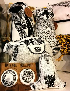 @BatAndWolf one of a kind #Xmas #illustrations #ornaments - Only at @ThingsBritish @shopgreenwich