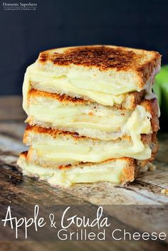 Apple & Gouda Grilled Cheese is perfect for fall and made from melty gouda and crisp granny smith apples! This Apple & Gouda Grilled Cheese is savory and delicious! One of the best grilled cheese recipes you'll ever come across! Soup And Sandwich, Sandwich Recipes, Bread Recipes, Tuna Melt Sandwich, Chicken Sandwich, I Love Food, Good Food, Yummy Food, Patisserie Fine