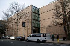 Kahn, Visitor Center, Yale