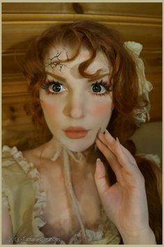 How cool is this?!! Pin sent to me from my BFF...think she is trying to tell me something?! Broken Porcelain Doll Makeup #costume #Halloween