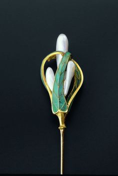 Hat pin with gold, pearls and enamel. Georges Le Turcq for A. Beaudoin, Paris, c.1900