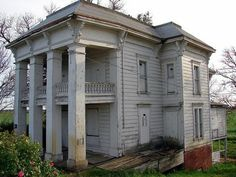 Decaying Mansion | Abandoned Plantation