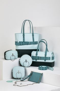 For ladies' challenger leather handbag . Then visit our bonabag website where you get a multi-colored,hand-crafted and unique designs of fashionable items. Leather Pieces, Tote Bags, Online Marketing, Leather Handbags, Purpose, Artisan, Mermaid, Collections, Belt