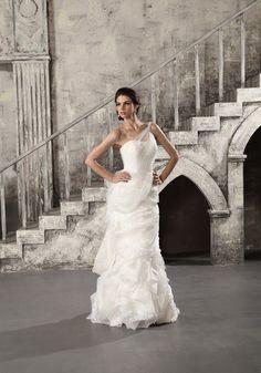 Sweep Train Off The Shoulder Tulle Sheath/Column Wedding Dress