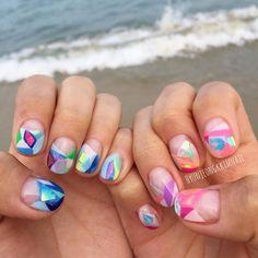 Broken Glass Nail Art: Keine Angst vor Farben!