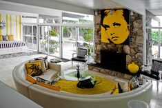 Park Residence in Palm Springs. yellow? that's twiggy, 4 u young'uns. can any1 FIND THE PLAN 4 this house?
