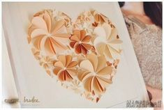 Amazing Flower wall art Delightful DIY Paper Flower Wall Art Free Guide and Templates Flower Artwork, Paper Flower Wall, Paper Flowers, Simple Wall Art, Diy Wall Art, Easy Wall, Wall Decor, Diy And Crafts Sewing, Easy Crafts