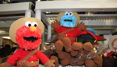 Elmo: Cookie, the customer ordered you!