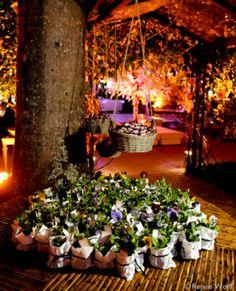 Inspiração para Casamento ao Ar Livre mudas de plantas lembrancinhas