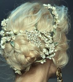 Dolce and Gabbana spring 2014 runway hair. Formal Hairstyles, Pretty Hairstyles, Wedding Hairstyles, Wedding Updo, Quinceanera Hairstyles, Medium Hairstyles, Protective Hairstyles, Celebrity Hairstyles, Wedding Bride