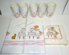 De Colección Sellado American Greetings Holly Hobbie Mantel Servilletas Vasos Papel Nuevo Viejo Stock Lote