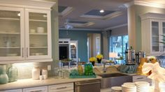 Treviso kitchen overlooking the family room