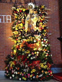 Dia de la Virgen del Carmen en San José de la Montaña representando el monte Carmelo- monte florido
