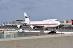 UAE 747-400 at LAX on Feb. 18, 2012. San Jose Airport, Kids Running, Commercial Aircraft, Boeing 747, Spacecraft, Airplanes, Aviation, February, Queen