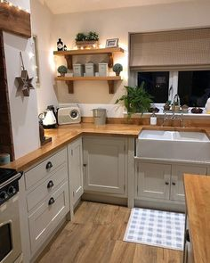 New best small kitchen design ideas and decor 1 – fugar Home Decor Kitchen, Kitchen Interior, New Kitchen, Home Kitchens, Kitchen Dining, Kitchen Cabinets, Home Interior, Kitchen Ideas, Country Kitchen Decorating