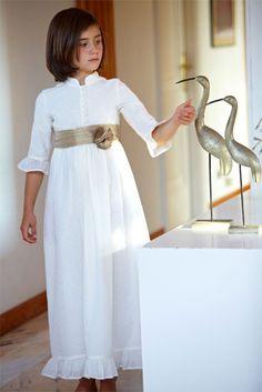 Vestido de Comunión Martina en plumeti bordado de De la dos a la Doce.