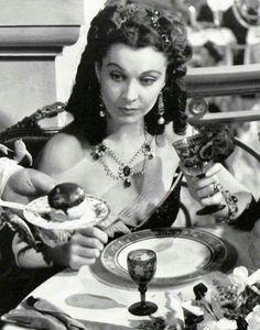 Vivien Leigh in Gone with the wind 1939 Classic Actresses, British Actresses, Actors & Actresses, Go To Movies, Great Movies, Old Hollywood, Hollywood Glamour, Classic Hollywood, Cinema Movies