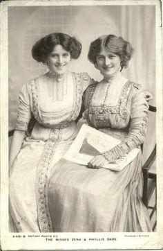 Smiling Victorians!