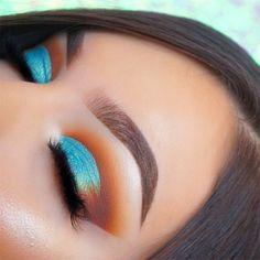 Blue + orange cut crease. Tropical makeup for summer.
