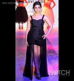 The ongoing India International Jewellery Week 2013 has been a sight for sore eyes with all the dazzle, be it the designs being showcased or the stars who take to the ramp for this fabulous display. Alia Bhatt walked the ramp for Abhaaran Jewellers while Aditi Rao Hydari showcased designs by Dipti Amisha.