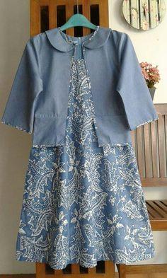 Kebaya Dress, Batik Kebaya, Blouse Batik, Batik Dress, Kids Dressy Clothes, Model Kebaya Modern, Dress Anak, Batik Fashion, Casual Hijab Outfit