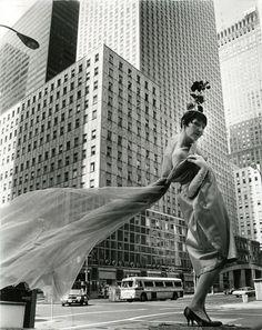 Bill Cunningham, Socony-Mobil Building, New York City (ca. 1968-1976)