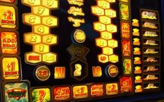 Kids-N-Fun wallpaper casino widescreen casino widescreen. Casino Theme Parties, Casino Party, 1920x1200 Wallpaper, Wallpapers, Las Vegas, Slot Machine Cake, Drag, Casino Royale, Dog Treat Recipes